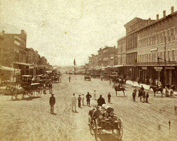 Massachusetts Street in downtown Lawrence, Kansas. Courtesy of the Library of Congress.