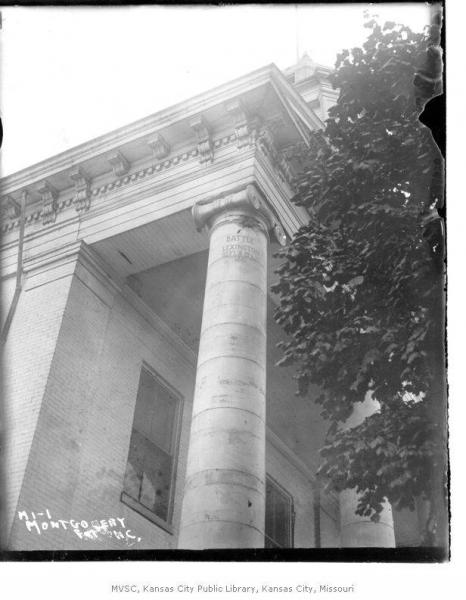 The Lexington courthouse, where a pillar still shows the impact of a cannon ball from the Battle of the Hemp Bales. Courtesy of the Missouri Valley Special Collections, Kansas City Public Library.